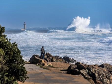 Großer Swell vor der Douromündung