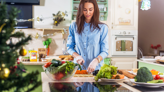 woman-cooking-kitchen-healthy-meal-holiday_1514412697948_326933_ver1-0_30662995_ver1-0_640_360_664106