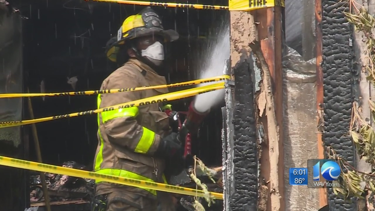 3 children, 6 adults displaced after fire damages Norfolk apartment