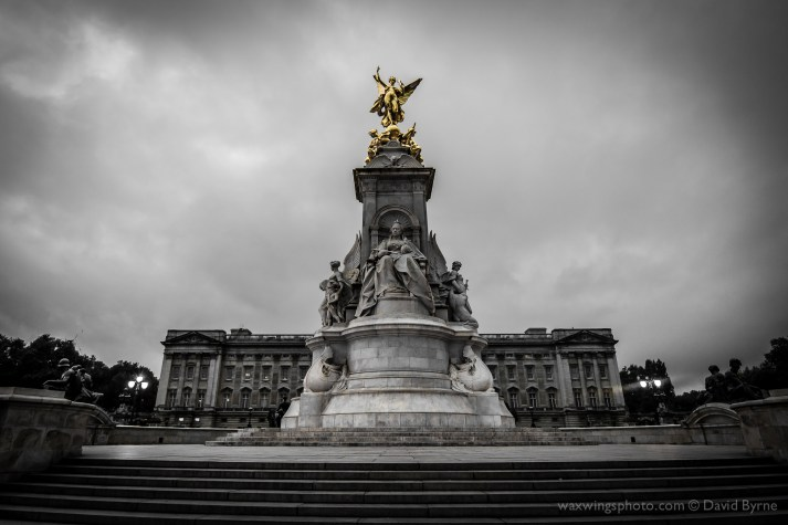 Victoria Memorial, in front of Buckingham Palace