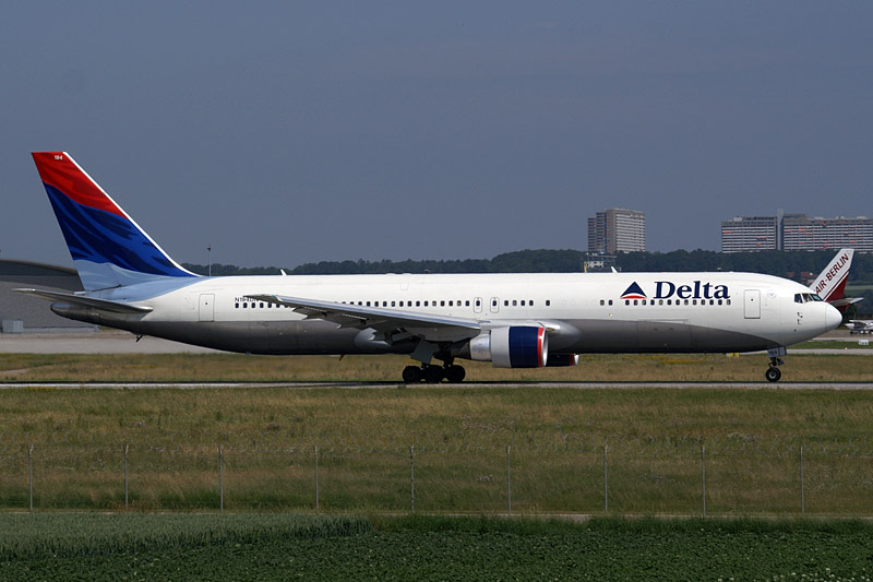 Delta Flight 1063 reported an engine-related problem