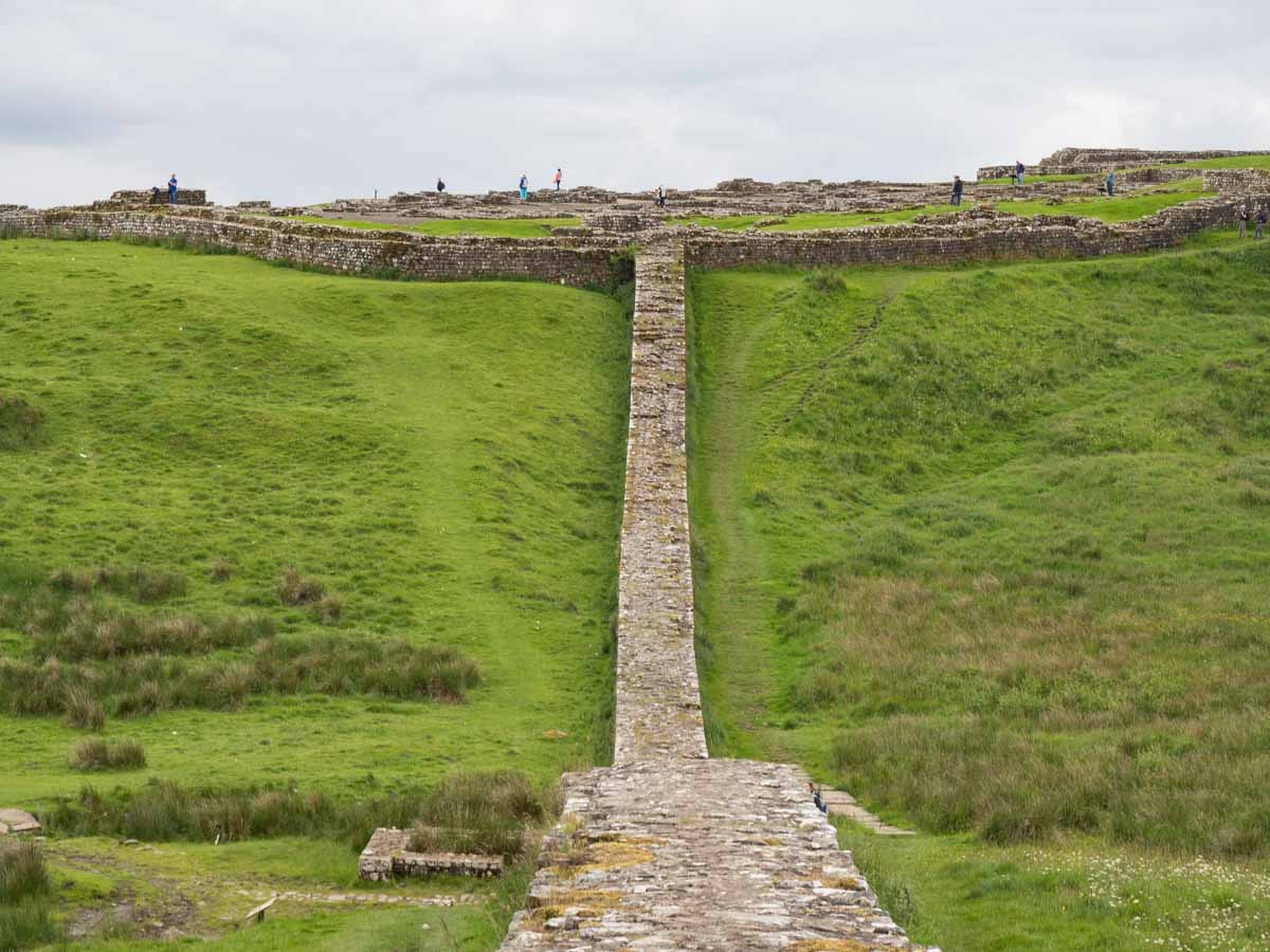 Hadrian's Wall to Housesteads Fort