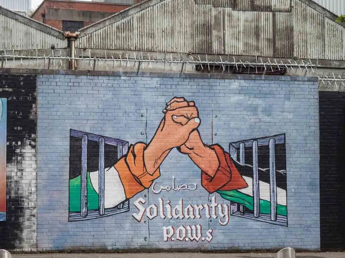 Black Cab Tour Belfast Murals POWs