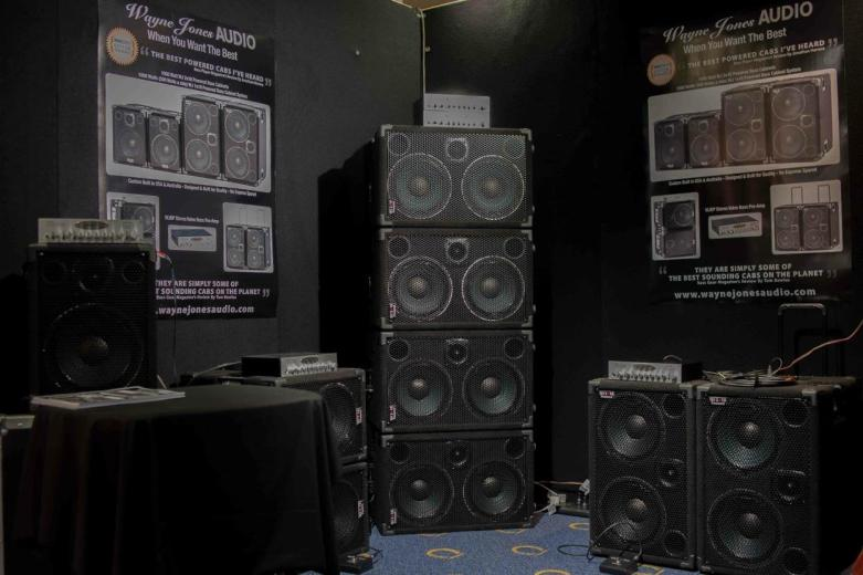 Wayne Jones AUDIO - Melbourne Guitar Show - Bass Speaker Cabinets, Powered Bass Cabinets, Bass Player, Powered Speaker Cabinets, Valve Bass Pre-Amp, WJBP Stereo Valve Bass Pre-Amp, Powered Bass Speakers, Bass Speakers, Bass Guitar, Bass Guitar Speakers.