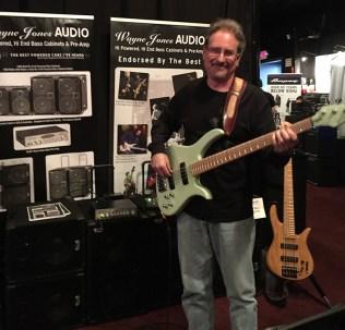 Wayne-Jones-Audio-@-Bass-Player-LIVE-2