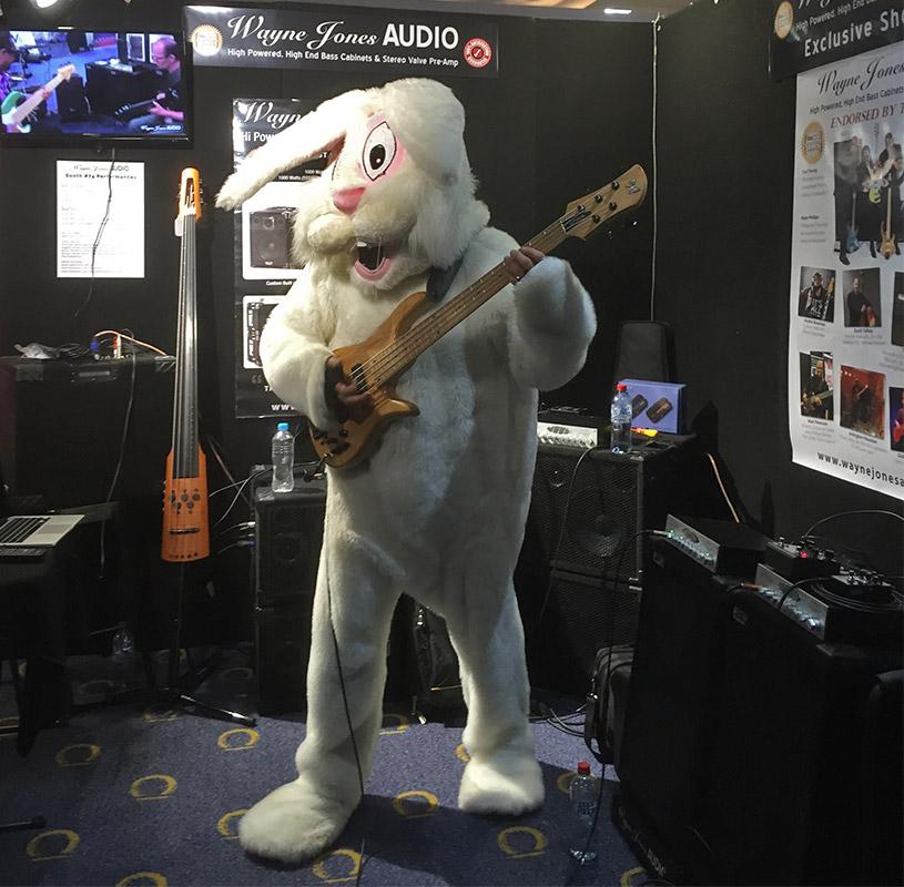 Fodera-guitar-bunny-with-Wayne-Jones-3