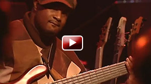 Maurice Fitzgerald bassist with Fred Hammaond Live In Chicago