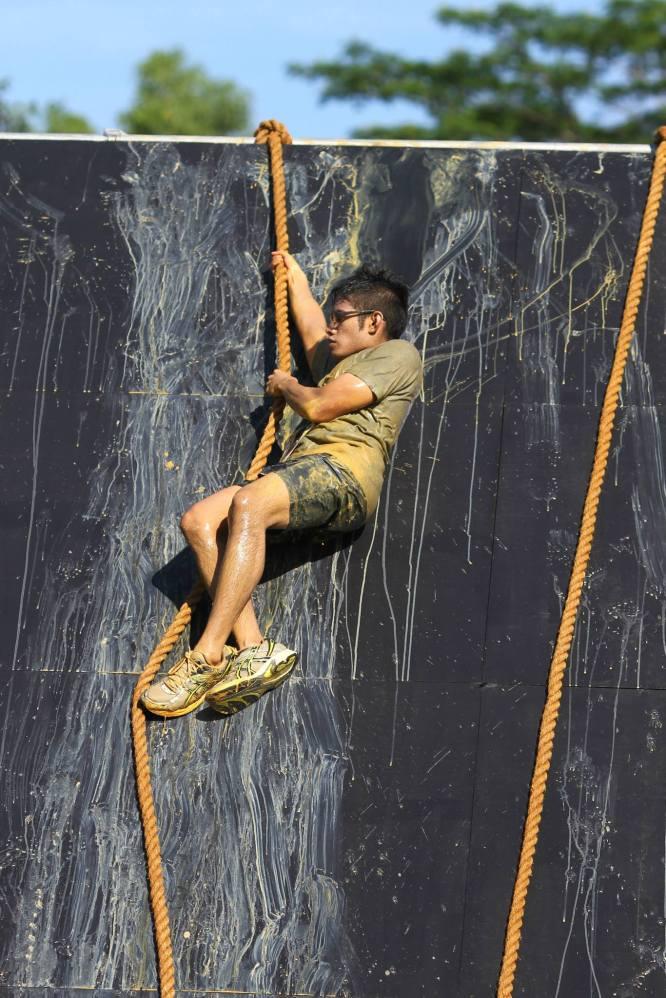 Descending from the vertical slope - Lion Dash 2014