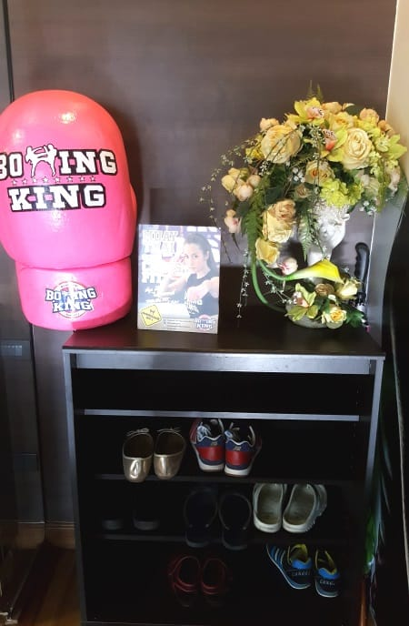 Boxing King Muay Thai - entrance and shoe rack