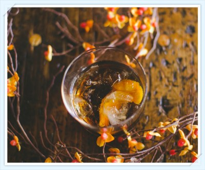 Art in the Age Snap Old Fashioned - the perfect holiday cocktail