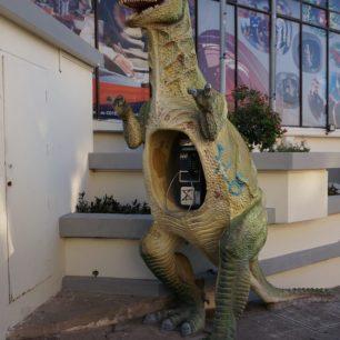 Le Dino-Téléphone ! Il y en a plusieurs dans les rues de Sucre (Bolivie).