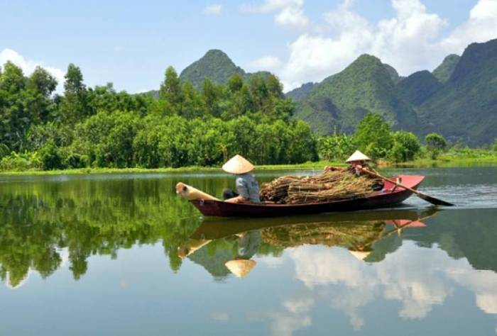 Maybe i travel to the countryside of Vietnam. This could be wisest, the city life can be bad.