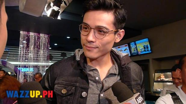 Xian Lim supports Kim Chiu at Etiquette for Mistresses Premiere Night
