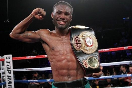 El jamaicano Nicholas Walters defendió con éxito el título pluma