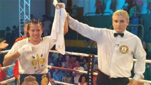 Ana Esteche wins by  unanimous decision