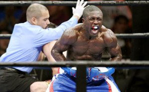 Welterweight Andre Berto stops Josesito Lopez in 6th round