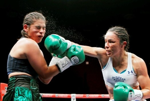 Jackie Nava knocked and retained their titles in Mexico