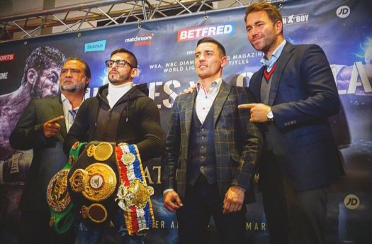 Linares and Crolla went face-to-face for their rematch