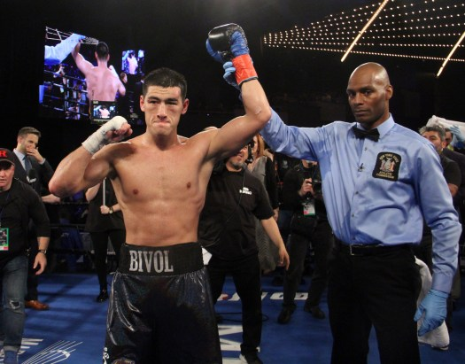 Bivol knocked out Barrera and retained his crown