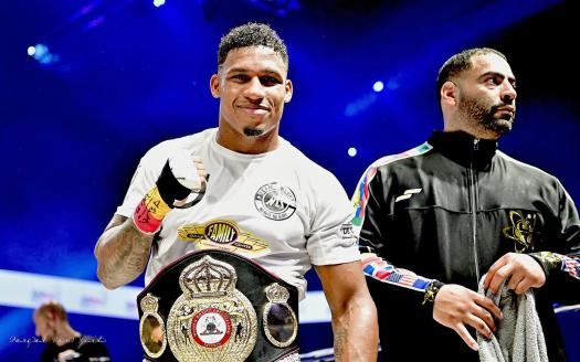 Merhy knocked out Szello and is the new WBA Cruiserweight Interim Champion
