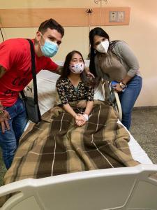 Roger Gutiérrez visitó a los pequeños guerreros que luchan contra el cáncer