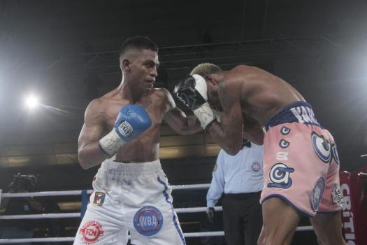 """""""El Científico"""" Núñez took the WBA-Fedelatin belt from Santiago"""