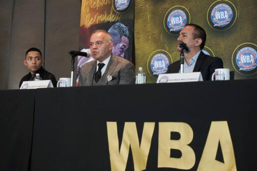 Esteban Bermúdez receives his WBA light flyweight belt | Boxen247.com (Kristian von Sponneck)