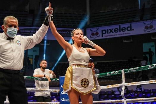 Colombian prospect Zuluaga won her first international fight