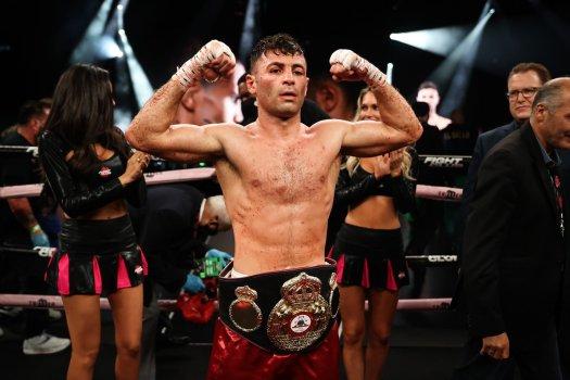 Ananyan dominó a González en pelea cerrada y ganó faja AMB-Continental Américas