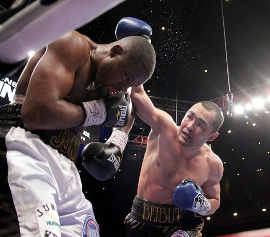With the win Beibut Shumenov will face WBA Super World cruiserweight champion Denis Lededev. (Photo: Sumio Yamada)