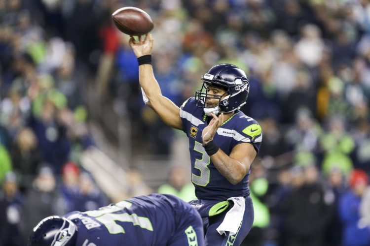 DFS: FanDuel Week 10, QBs Wilson and Fitzpatrick Provide Value as Underdogs