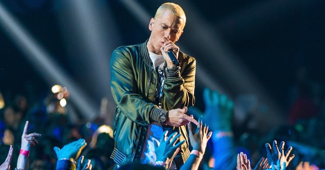 Eminem: Is Em In Trouble With Fans If He Doesn't Respond To MGK Soon?
