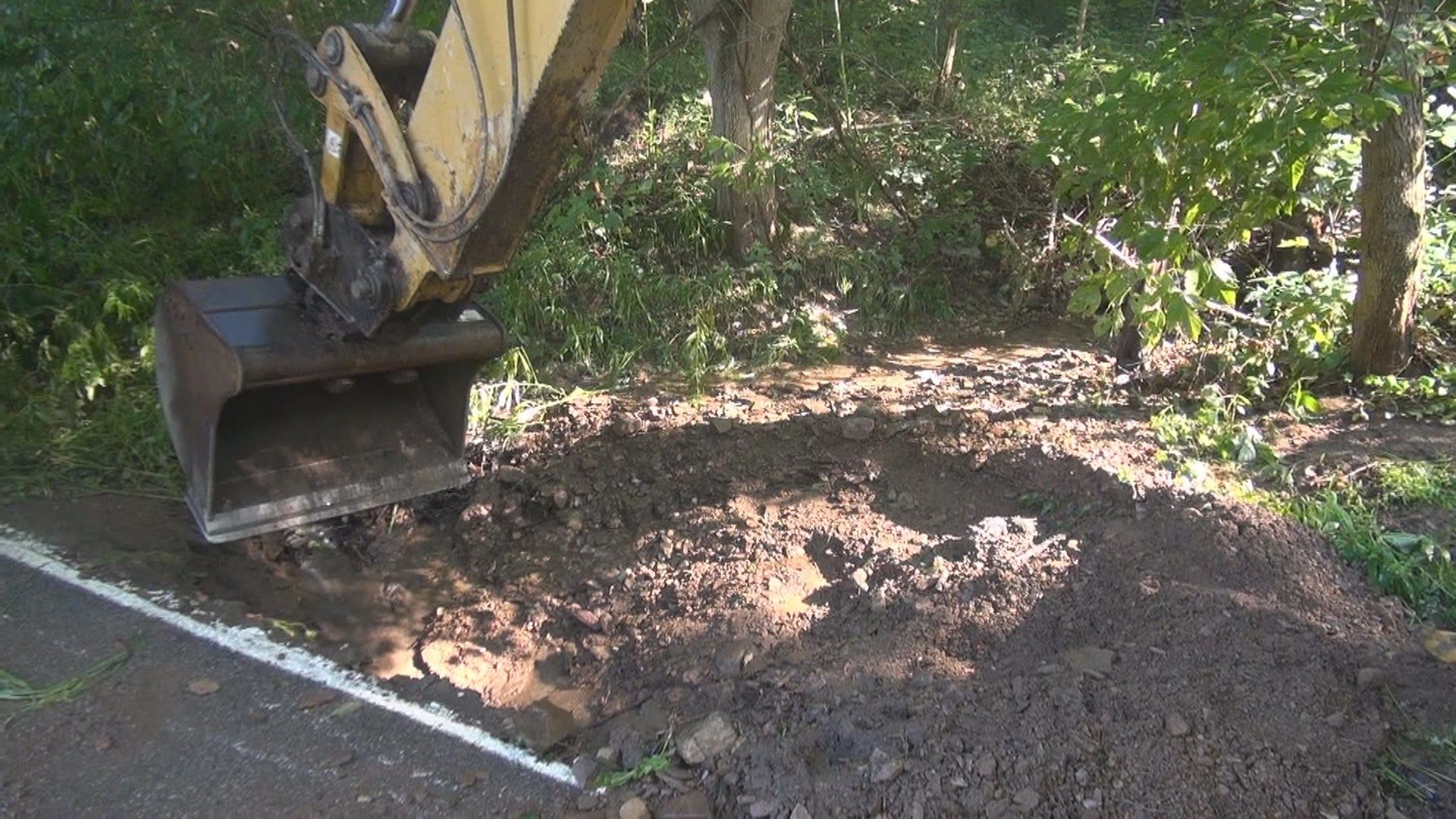 Division of Highways Works to Fix Roads in Mannington