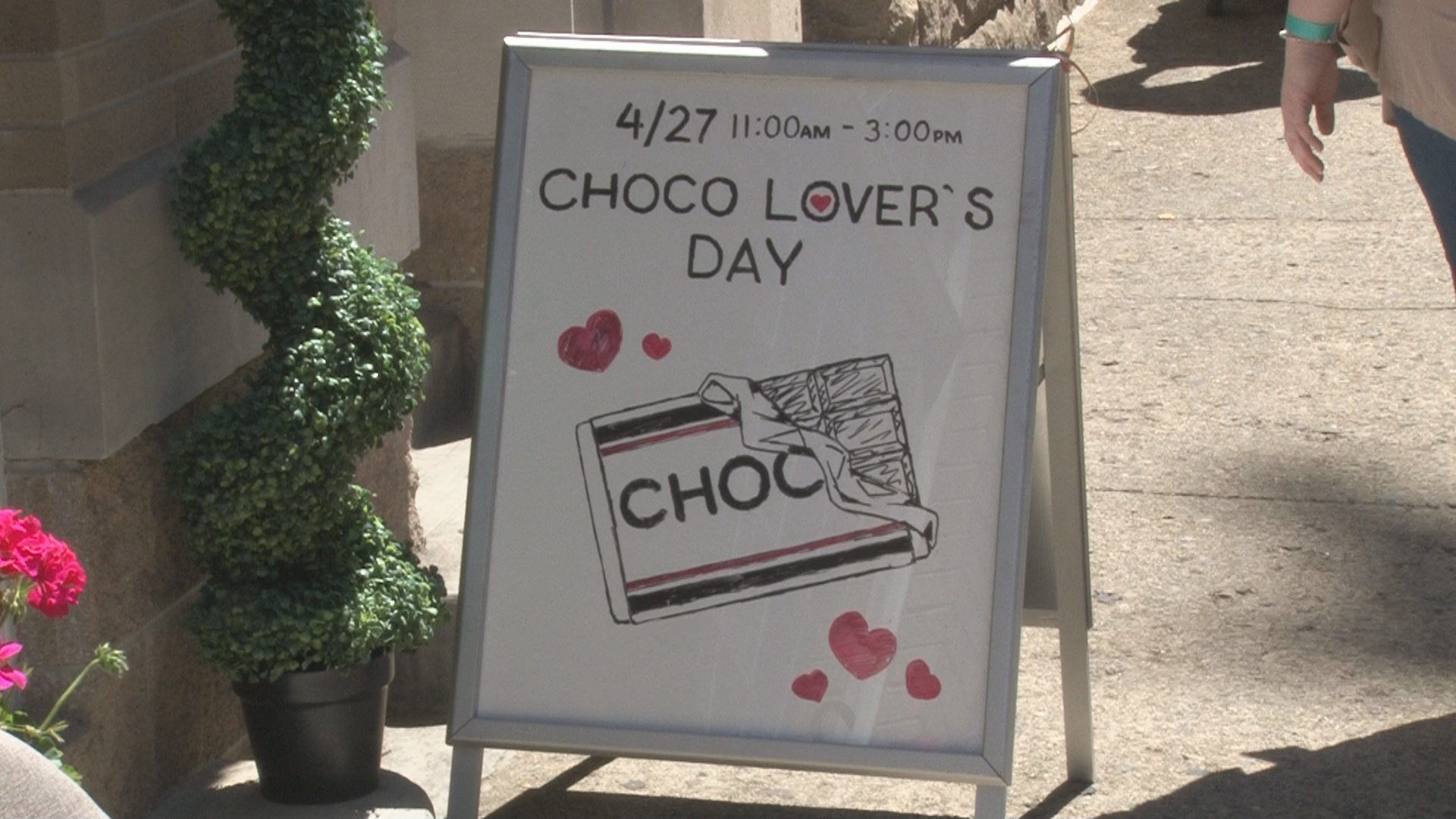 CHOCOLATE LOVERS DAY_1556417981664.jpg.jpg