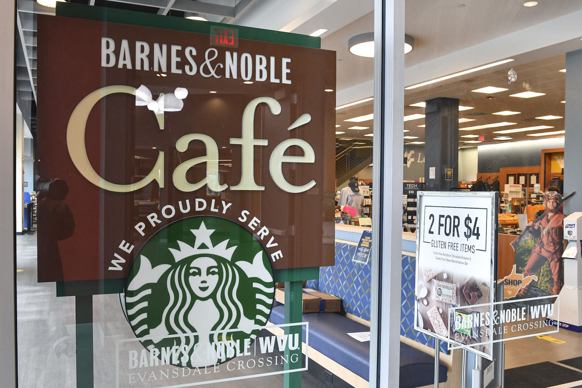 Barnes and Noble Evansdale Crossing