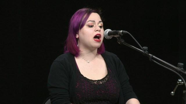 An Acoustic Session with Hana Kahn