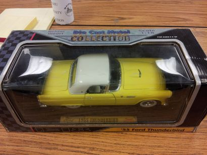 Die Cast Metal - 1955 Ford Thunderbird