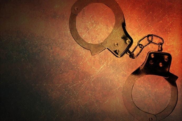 handcuffs arrest_4845218693057563170