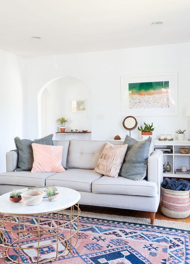 Rue Mag Hpme Tour Light Grey Sofa