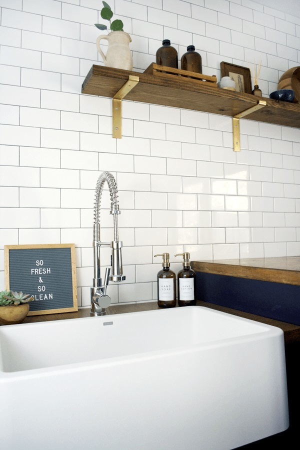 modern-navy-laundry-mud-room-reveal-21-11
