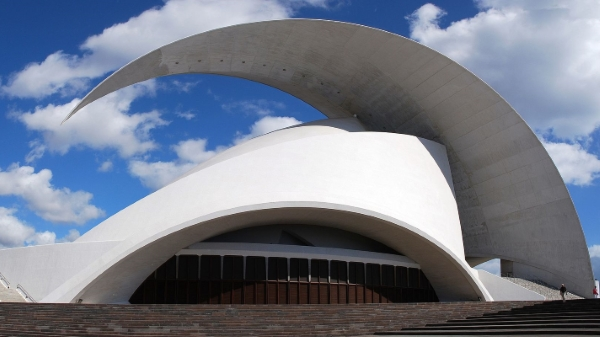 "Auditorio de Tenerife ""Adán Martín"" door Santiago Calatrava in Santa Cruz, Tenerife, Canary Islands, architecture"