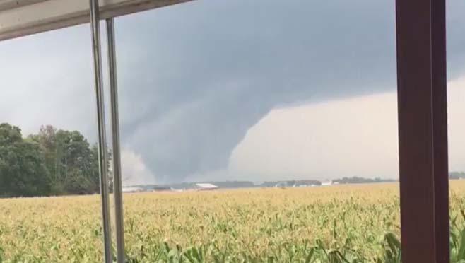 8-24 Ohio Ciry Tornado from Twitter_186873