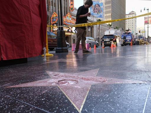 Trump Star Vandalized_201158