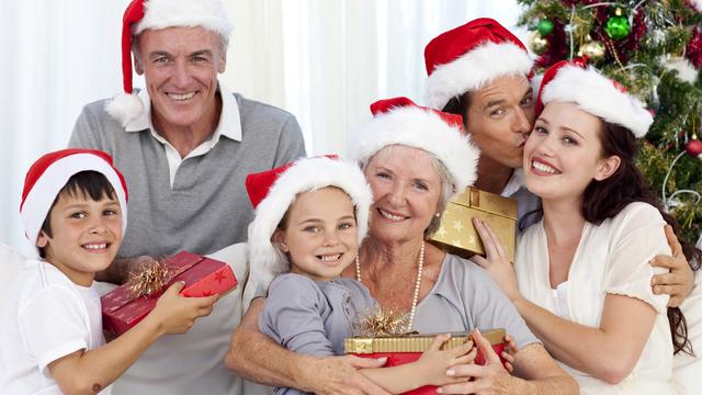 christmas-family-grandparents-children-presents-holidays_1513118073919_323021_ver1-0_30202802_ver1-0_640_360_285219