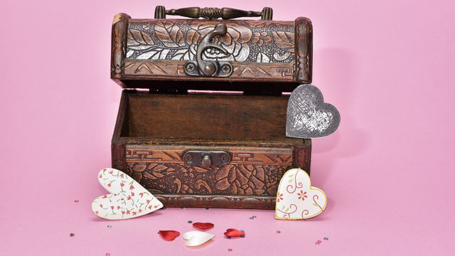 treasure-hunt-valentines-day-gift_1517261660650_337717_ver1-0_32896335_ver1-0_640_360_293017