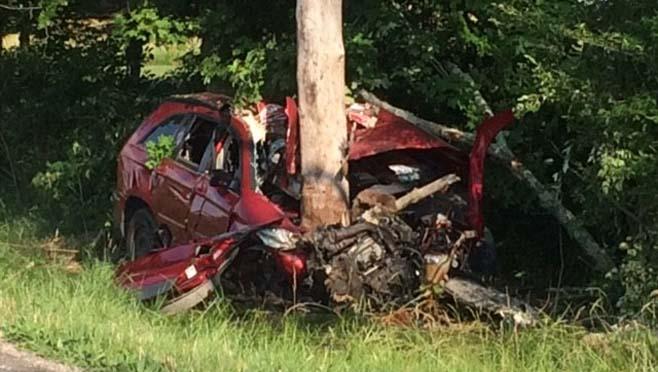 1 dead in Preble County single-car crash