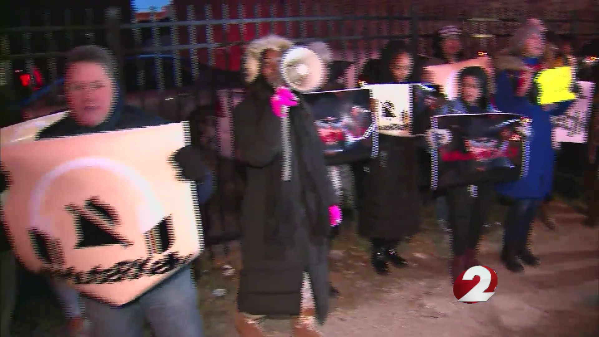 Protesters call for boycott of R. Kelly