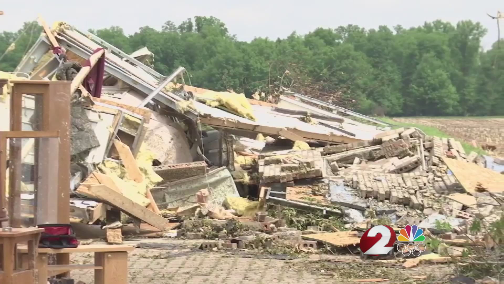 Displaced families make slow return to tornado-damaged neighborhoods