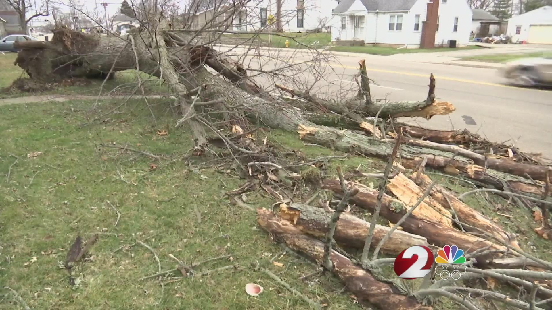 Tornado cleanup efforts