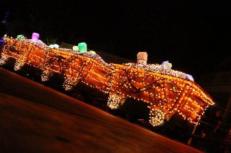 Disney on wheels parade a_w 34